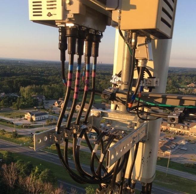 Line & Antenna Installation@2x